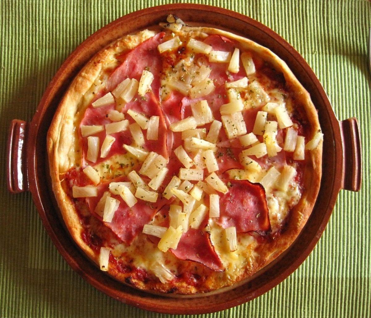 origen de la pizza con piña