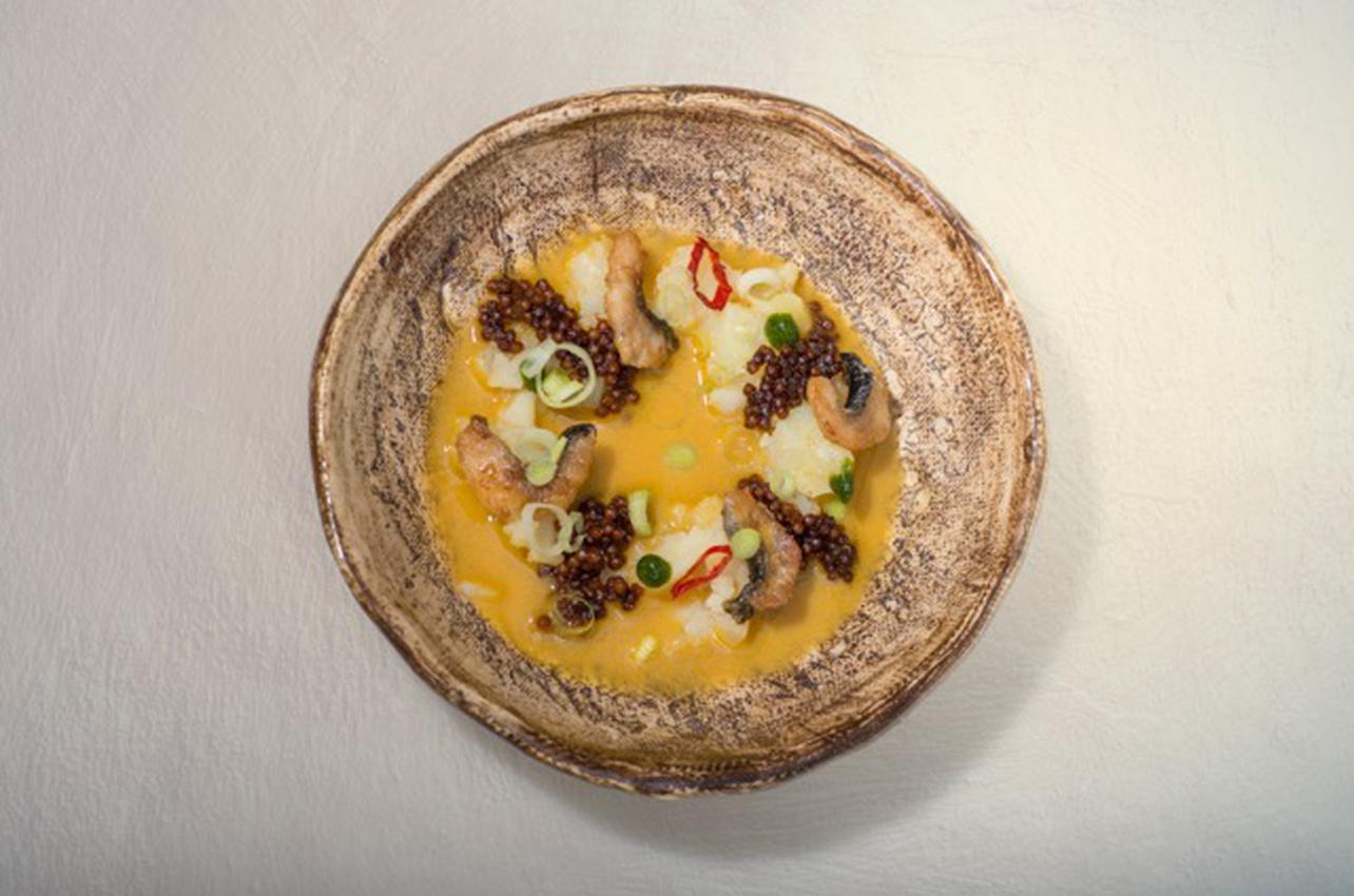 caviar plato pescado