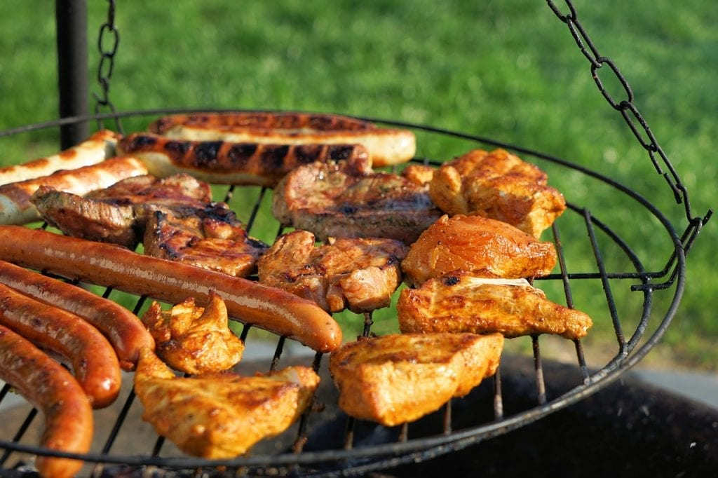 grill carne salchichas