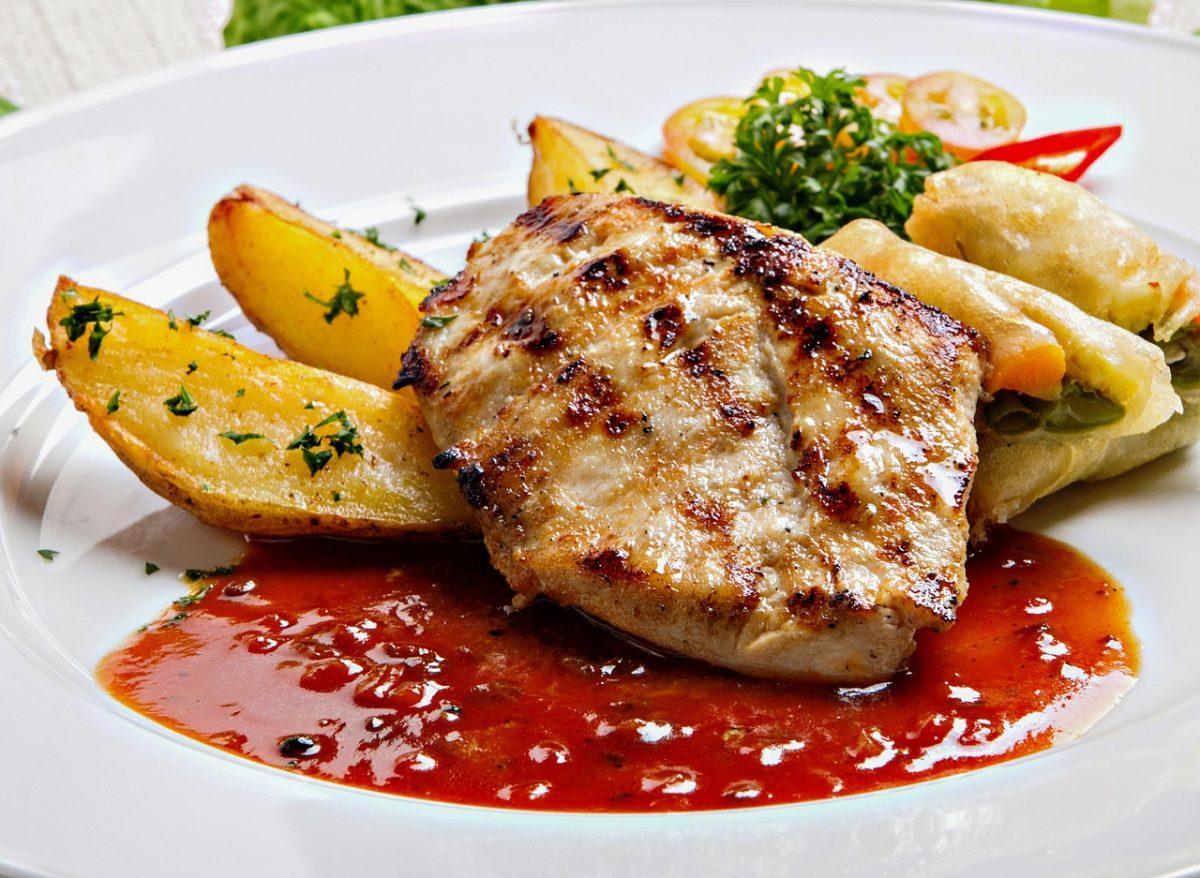 ofertas gastronómicas plato carne patatas