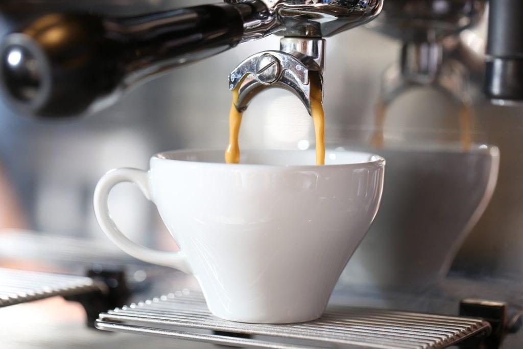 es saludable el café descafeinado
