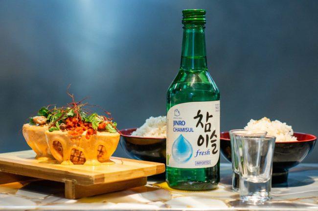 menú con arroz y kimchi coreano