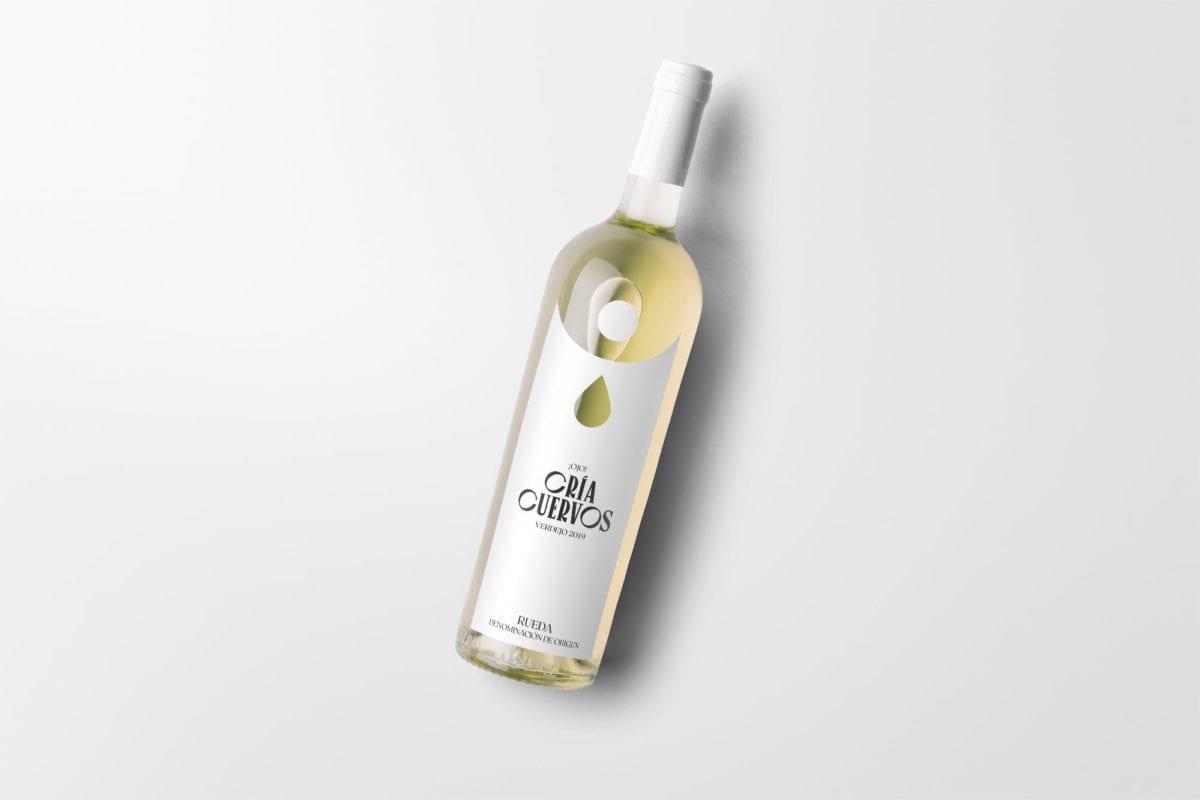 botella del vino Cría Cuervos