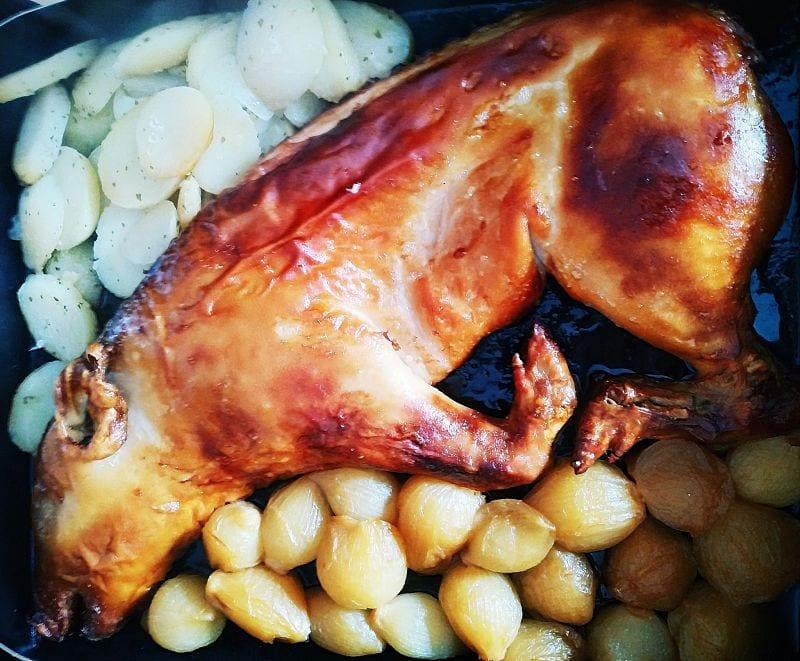 comidas navideñas más típicas cochinillo asado al horno