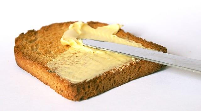 tostada con mantequilla
