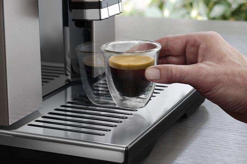 café recién molido cafetera