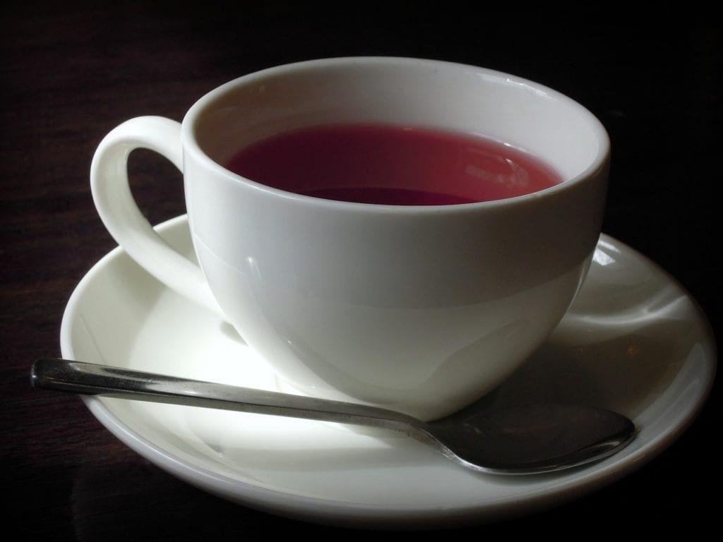 vino con té rojo