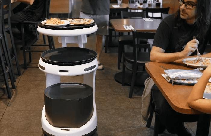 Camareros robots