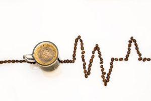 Cafeína em bebidas energéticas pode causar problemas de atenção em crianças