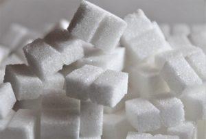 O abuso de açúcar pode causar diferentes patologias