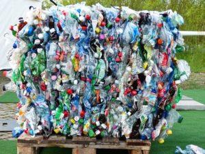 botellas de plástico para reciclas