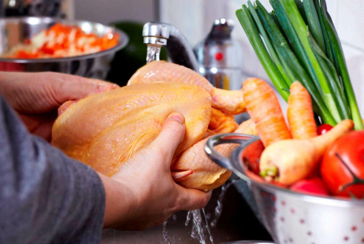 Soll das Huhn gewaschen werden?