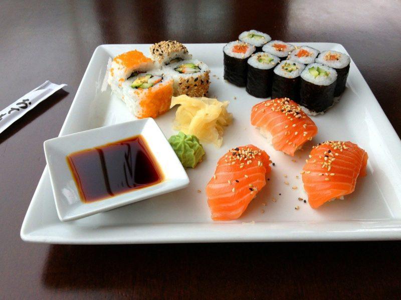 diferentes tipos de sushi